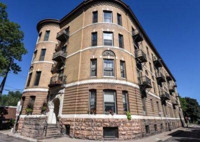 Summit Court Condominiums